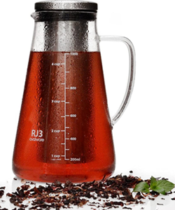 Airtight cold brew coffee and iced tea maker